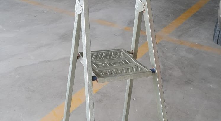 Satılık İkinci El Diall 3+1 Galvanez Kaplama Metal Merdiven