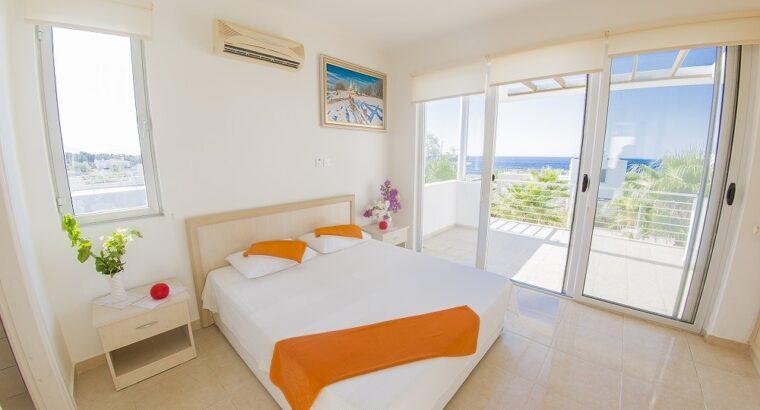 Kıbrıs Girne Esentepe Satılık Havuzlu Villa