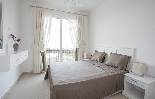 Kıbrıs Girne Karşıyaka Satılık Site İçinde Villa