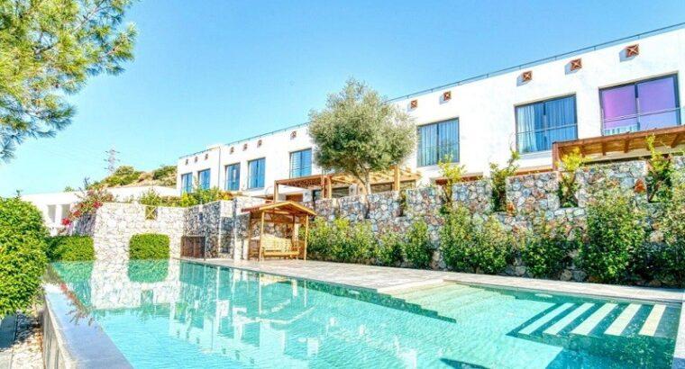 Kıbrıs Girne Satılık 3+1 Site içinde villa